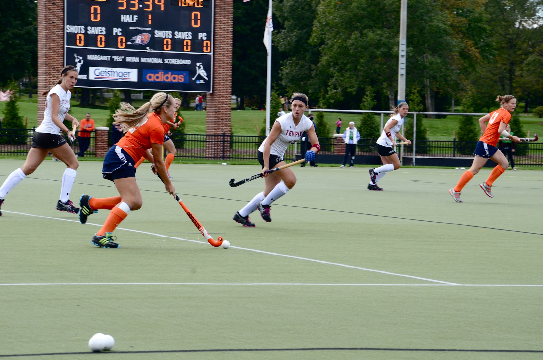 Field hockey loses two close games